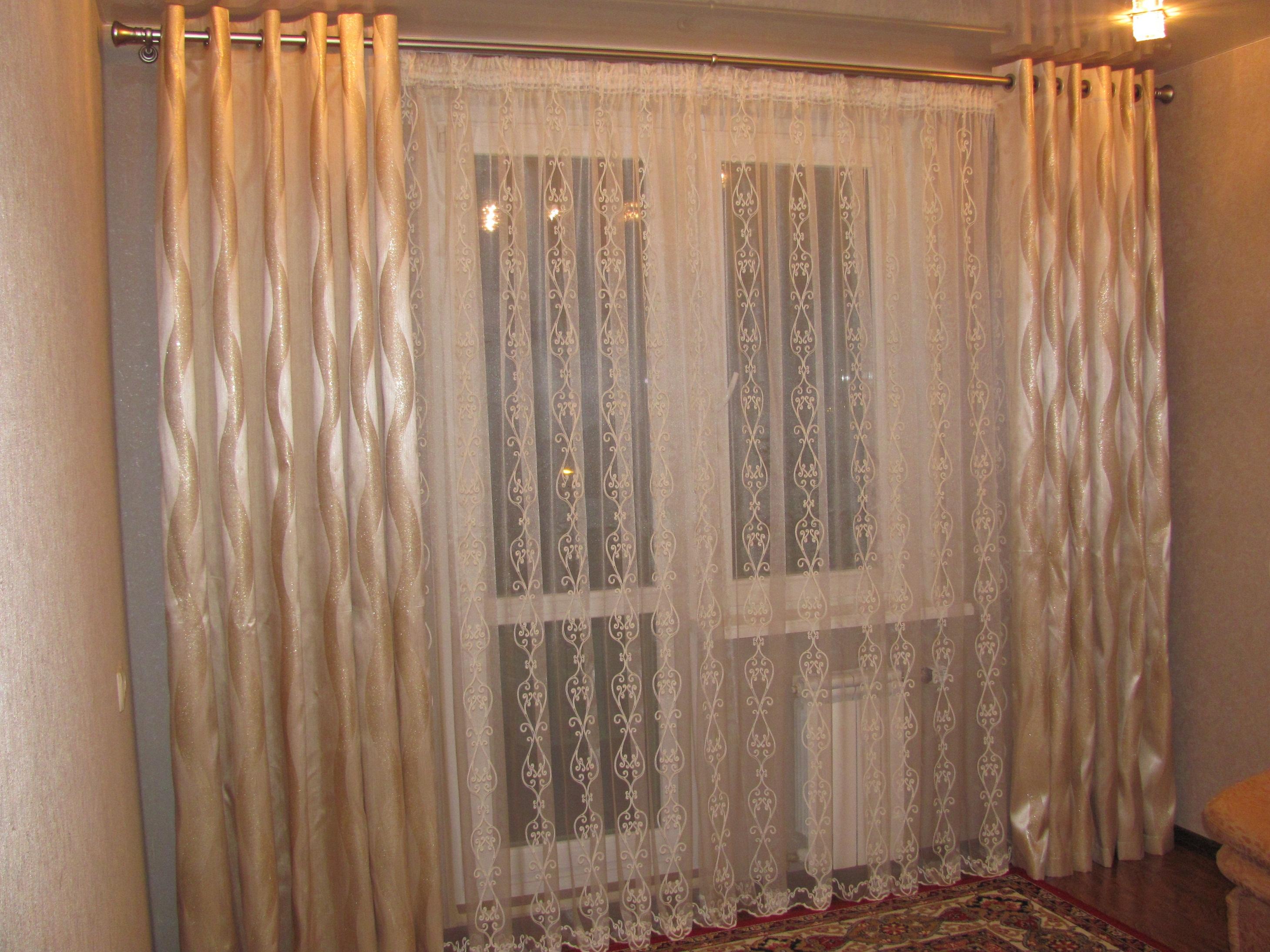 Шторы в гостиную в современном стиле, варианты оформления ок.